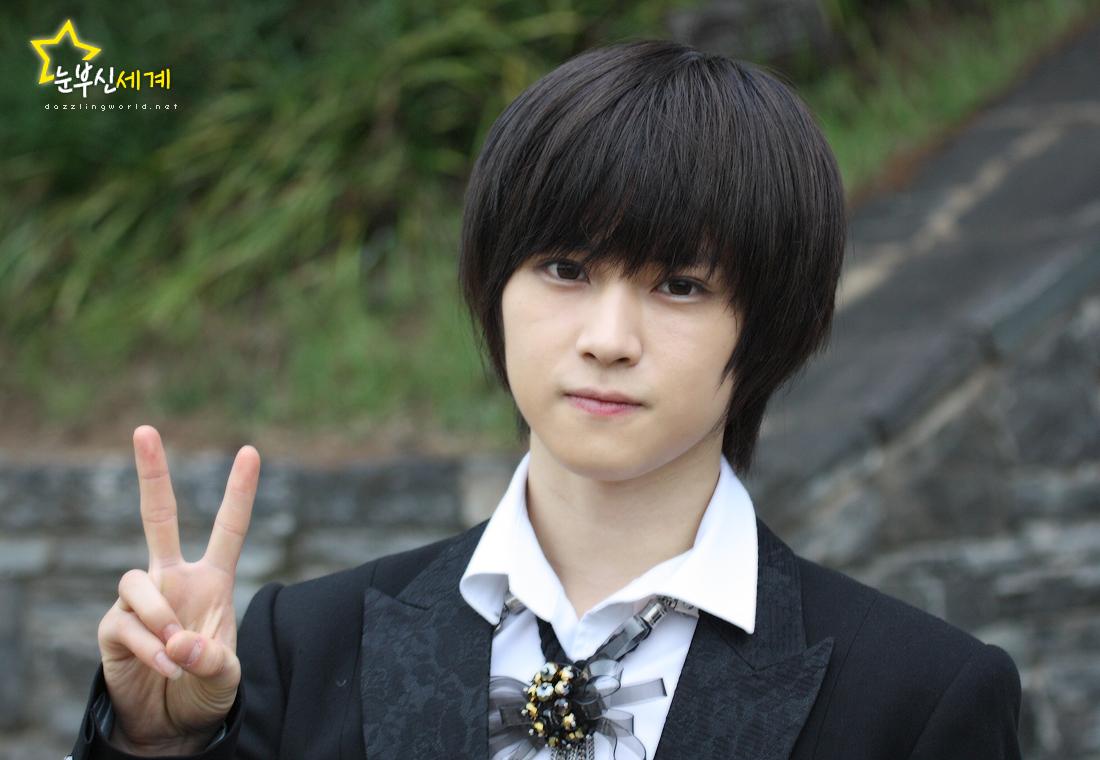 http://justdna.files.wordpress.com/2010/07/karam-idol-united-24.jpg